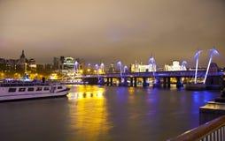 LONDEN, HET UK - 5 APRIL, 2014: Nachtmening van het oog van Londen, Londen het UK Stock Fotografie