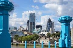 LONDEN, HET UK - 22 AUGUSTUS: Mening van moderne architectuur in de Stad Stock Foto's