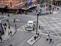 LONDEN, HET UK - 14 FEBRUARI 2016: Het uit de weg ruimen van verbrijzelingshindernissen na pari Royalty-vrije Stock Afbeeldingen