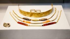 LONDEN, het UK, 30 Juli: BRITISH MUSEUM Griekse juwelen van de bronstijd van Grrek Royalty-vrije Stock Foto's