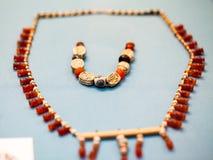 LONDEN, het UK, 30 Juli: BRITISH MUSEUM Griekse juwelen van de bronstijd van Grrek Stock Foto