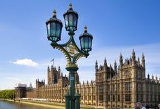 LONDEN, het UK - 24 JUNI, 2014 - Big Ben en Huizen van het Parlement Royalty-vrije Stock Foto
