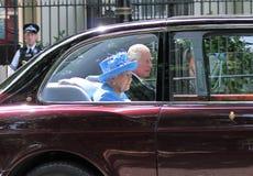 Londen, het UK - 21 juni 2017; De koningin Elizabeth en Prins Charles komt voor het openen van de staat van het parlement aan jun Stock Afbeelding