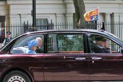 Londen, het UK - 21 juni 2017; De koningin Elizabeth en Prins Charles komt voor het openen van de staat van het parlement aan jun Royalty-vrije Stock Foto