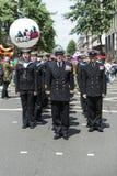 LONDEN, HET UK - 29 JUNI: Koninklijk marineregiment die marcheren tot steun van Royalty-vrije Stock Foto