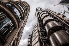 Londen, het UK - 29 Maart, 2017: Het futuristische industriële het kijken Lloyds gebouw Stock Fotografie