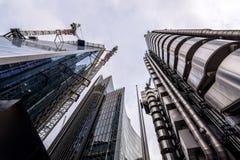 Londen, het UK - 29 Maart, 2017: Het futuristische industriële het kijken Lloyds gebouw Royalty-vrije Stock Afbeelding