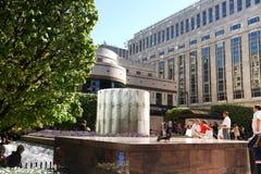 LONDEN, HET UK - 14 MEI, 2014: De moderne architectuur van bureaugebouwen van Canary Wharf-aria het belangrijke centrum van globa Royalty-vrije Stock Fotografie