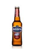 LONDEN, HET UK - 29 MEI, 2017: Fles alcoholische bier van Beieren Holland het niet op wit Beieren is de tweede - grootste brouwer Royalty-vrije Stock Foto's