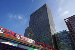 Londen, het UK - 27 Mei, 2012: Investeringsbankj P Morgan European hoofdkwartier in Canary Wharf, wat door werd gebracht Royalty-vrije Stock Foto's