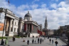LONDEN, het UK - 17 Oktober, 2017: Mensen die het National Gallery bezoeken De galerij huisvest een rijke inzameling van meer dan Stock Fotografie