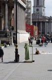 LONDEN, het UK - 17 Oktober, 2017: Mensen die het National Gallery bezoeken De galerij huisvest een rijke inzameling van meer dan Stock Foto