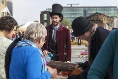 LONDEN, het UK - 29 September 2013: Dwarscarnaval van de koning - Ope Stock Foto's