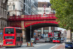 LONDEN, HET UK - 19 SEPTEMBER, 2015: Viaduct van Holborn, 1863-1869 De bouw kosten waren over £2 miljoen Stock Afbeeldingen