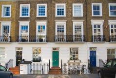 Londen, het UK Woonaria van Belgravia Luxebezit in het centrum van Londen Rij van periodieke gebouwen Royalty-vrije Stock Fotografie