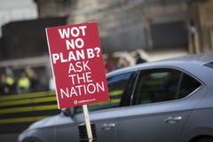 Londen, het Verenigd Koninkrijk, 7 Februari 2019, Protestbanner tegen het verlaten van de EU en voor peopes stemt stock foto