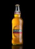 LONDEN, HET VERENIGD KONINKRIJK - MAART 23, 2017: Fles van de zwarte van Amigo'stequila Beeron Een bier door de Fischer-brouwerij Royalty-vrije Stock Fotografie