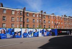 LONDEN, het VERENIGD KONINKRIJK - 14 Mei 2019: De buitenmening van Stamford-Brug royalty-vrije stock foto
