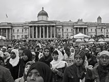 Londen, het Verenigd Koninkrijk - Oktober 28, 2006: Duizenden mensen van alle culturen traden samen voor jaarlijks Eid Festival t royalty-vrije stock fotografie