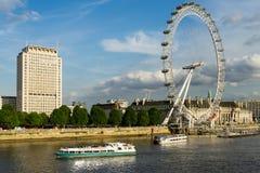 LONDEN - JUNI 25: Mening van het Oog van Londen in Londen op 25 Juni, Royalty-vrije Stock Afbeelding