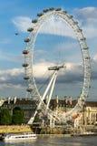 LONDEN - JUNI 25: Mening van het Oog van Londen in Londen op 25 Juni, Royalty-vrije Stock Fotografie