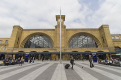 Londen King' s Dwarsstation Stock Afbeeldingen
