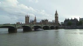 Londen Mening van de Brug en Big Ben van Westminster stock footage
