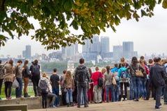 Londen, mening van Greenwich aan Millwall stock foto's