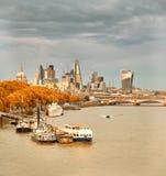 Londen, panorama over de rivier van Theems van Waterloo brug Royalty-vrije Stock Afbeeldingen