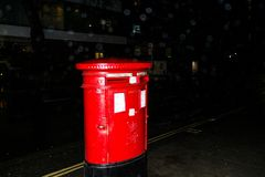 01-29-2017 Londen - rode brievenbus royalty-vrije stock foto's