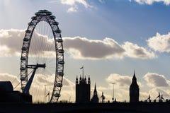 London öga och Westminster kontur Arkivfoton