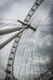 London öga vid Themsen i London, England Royaltyfria Bilder