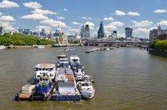 London över Thames River fotografering för bildbyråer