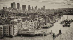 london Великобритания Горизонт города вдоль реки Темзы Стоковое Изображение