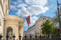 london Великобритания Жилая ария Belgravia Роскошное свойство в центре Лондона Строка периодических зданий стоковое фото