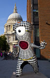 London 2012 Olympic Mascot. With St Paul's Cathedral in the background Royalty Free Stock Images