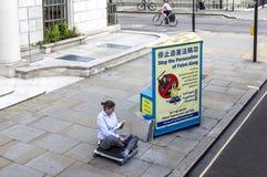 London-Aktivist, der auf Portland-Platz protestiert Lizenzfreies Stockfoto