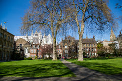 LONDON - APRIL 14: Courtyard of Westminster Abbey in spring. Royalty Free Stock Photos