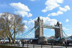 LONDON - April 12,2016: London-Turm-Brücke Stockfotos