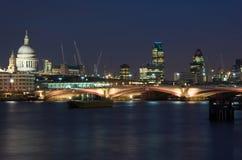 Free London At Night Stock Photo - 33109260