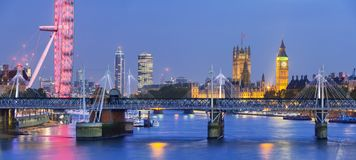 Free London At Night. London Eye, Westminster Bridge, Big Ben And Houses Of Parliament Royalty Free Stock Images - 163875789