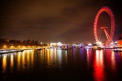 London-Auge nachts lizenzfreie stockfotografie