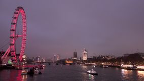 London-Auge und die Themse stock footage