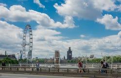 London-Augenansicht von einer Brücke Lizenzfreies Stockfoto