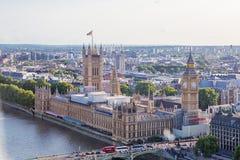LONDON - AUGUSTI 19, 2017: Cityscapesikt från det London ögat Royaltyfria Bilder