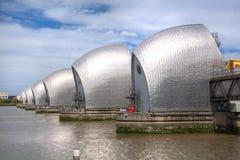 London barriär på flodThemsensikten Arkivbild