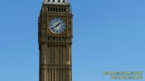 London Big Ben vid flygtur på flygtur av bussen Arkivfoton