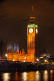 London - Big- Benkontrollturm-Glockenturm nachts Stockbilder