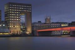 London-Brücke u. die Themse Lizenzfreie Stockbilder