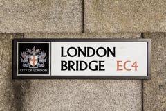 London brovägmärke i London Arkivbild